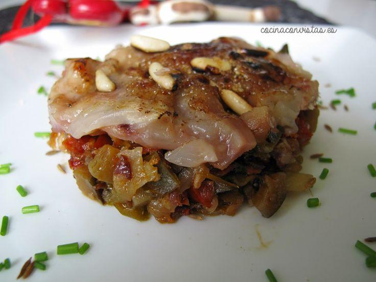 Manitas de cerdo ibérico al comino caramelizadas sobre ratatouille de verduras - COCINA CON VISTAS