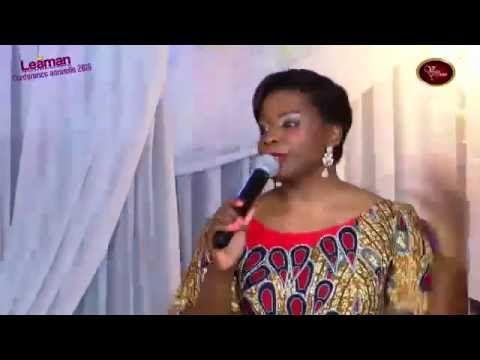 La femme sage bâtit sa maison - Pasteur Modestine Castanou - Conférence des Femmes à l'église Vase d'Honneur à Abidjan.