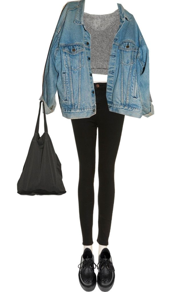 Super simple yet cute outfit for flights or hanging out at the airport waiting for a flight. Find more outfit ideas at