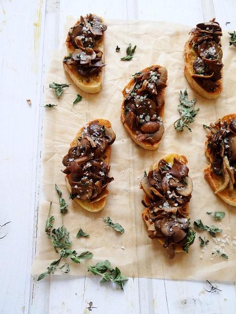 mushroom crostini. | nom nom nom :3 | Pinterest