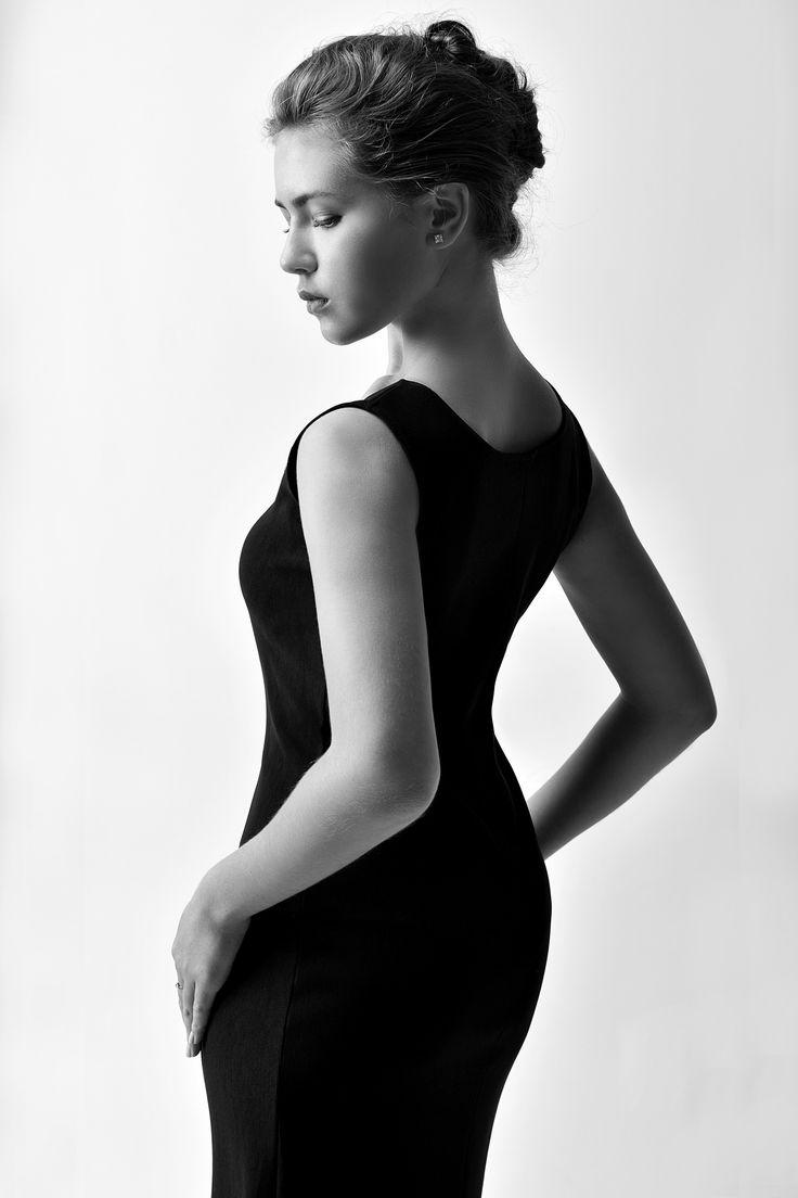 https://flic.kr/p/YzS16v   Alina. Studio   Black dress. Classic