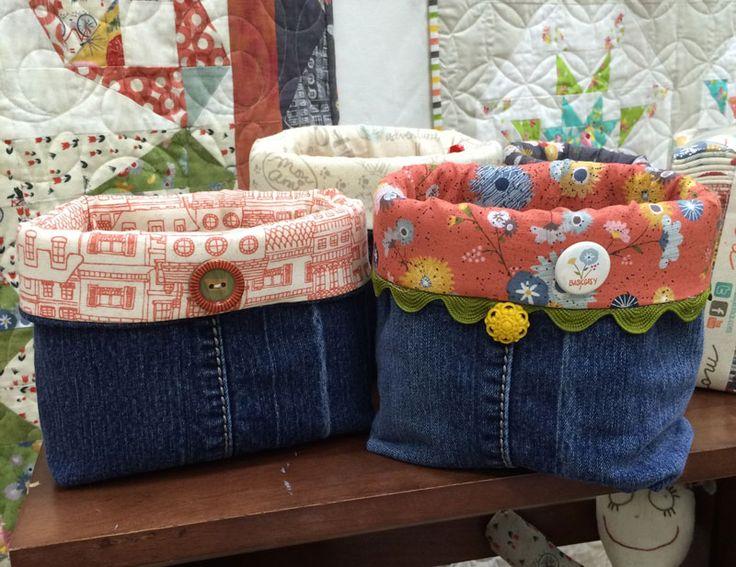 Cose canastas para organizar objetos usando jeans viejos #moda #reparacion…                                                                                                                                                                                 Más