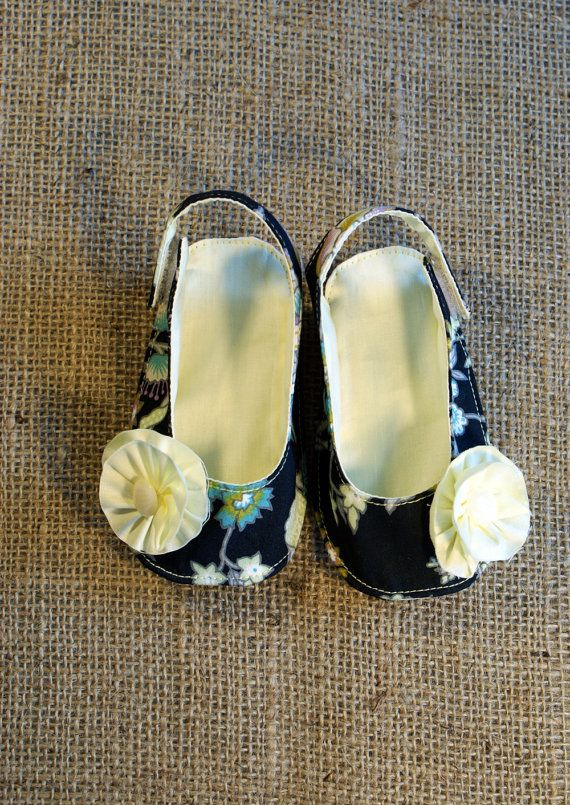 Olivia Baby Shoes - PDF Pattern - Newborn to 18 months.. $4,50, via Etsy.