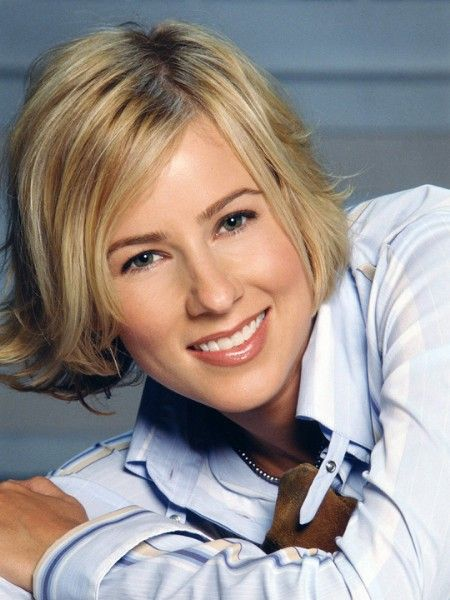 Bram_Alice_-_Season_1_-_Traylor_Howard_4