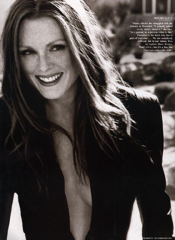 Julianne Moore. Herb Ritts for Vanity Fair.