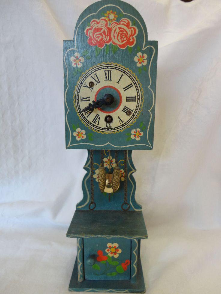 Chalet Puppenhaus Plantoys Holz Puppenstube ~ Puppenstube Uhr Standuhr  mit Uhrwerk  Dora Kuhn  Bauernmalerei