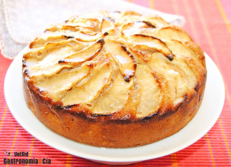 Tarta de manzana sueca, de Rachel Allen. Probada quedo seca, quizás demasiado horno, o quizás la próxima vez rallando la manzana y añadiendo un yogur le de mejor textura, como la coca de llanda.