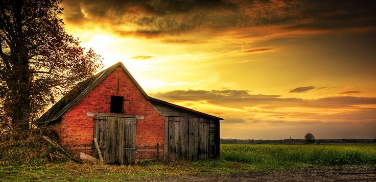 "These are some keyword suggestions for the term ""Old Barns"". Description from suggestkeyword.com. I searched for this on bing.com/images"