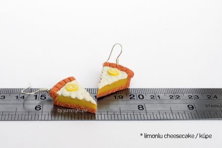 Limonlu Cheesecake / küpe   #fashion #design #miniature #food #art #miniaturefoodart #polymerclay #clay #minyatur #polimerkil #kil #nutella #tasarim #taki #sanat #moda #sokak #tutorial #yummykupe #mold #kalip #nasil #bileklik #kolye #kupe #yuzuk #aksesuar #kadin #ring #earring #accesorie #necklace #cheesecake #limon #lemon #pie #pasta