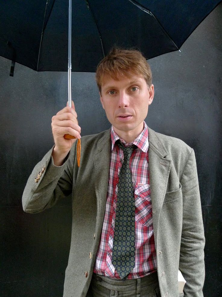 Alex Kapranos: Dream Man, English Men, Beautiful People, Alex O'Loughlin
