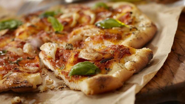 Fuldkornspizza med grillet grønt