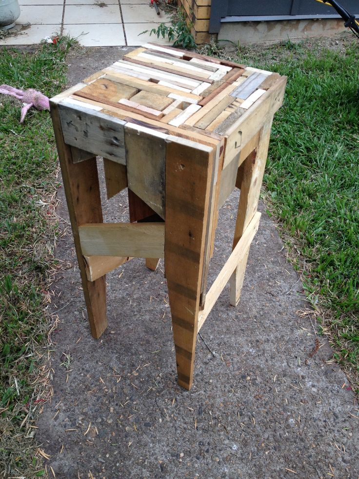Diy Pallet Furniture Bar Stool Made From The Off Cuts