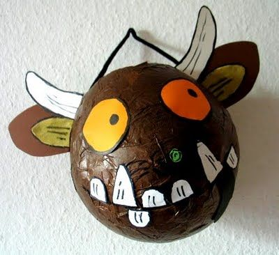 Make your won Gruffalo out of a balloon and papiermache.