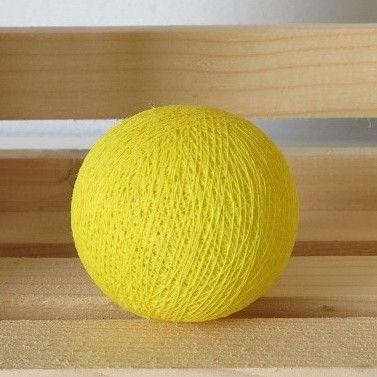 Keltainen valopallo.   http://www.valopallot.fi/product/98/valopallo-keltainen-5-kpl