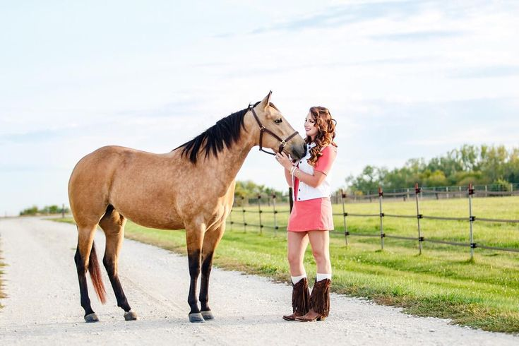 Sometimes your best friend understands you better than yourself. Tag the friend that just gets you.... . . . #tpcreationsphotography #canon #horsephotography #equinephotography #horse #equine #horsesofinstagram #horselover #instahorses #myhorse #equestrian #bestofequines #ilovemyhorse #horses #horselife #horsecrazy #equestrianlife #horsegirl #aqha #quarterhorse #aqhaproud #ranchhorse #ranchstyle #iowalife #iowa #horsestagram