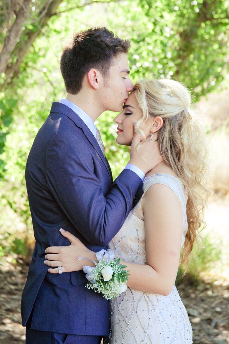 Kissing my forehead prom photo w/Kell | Prom photos