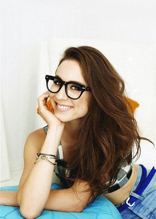 Troian Bellisario- I´m absoloutley in love with her ! ;)