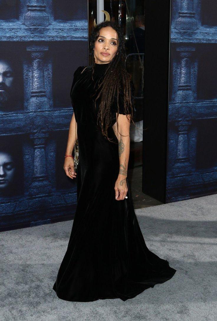 Лиза Боне появилась на премьере фильма в очень мрачном наряде
