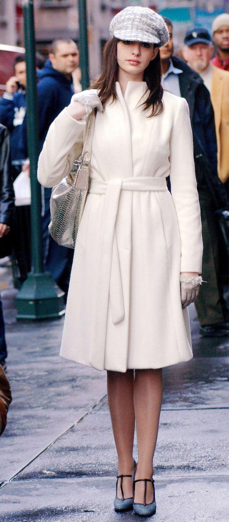 Le manteau blanc - Les 10 tenues inoubliables du «Diable s'habille en Prada» - Elle