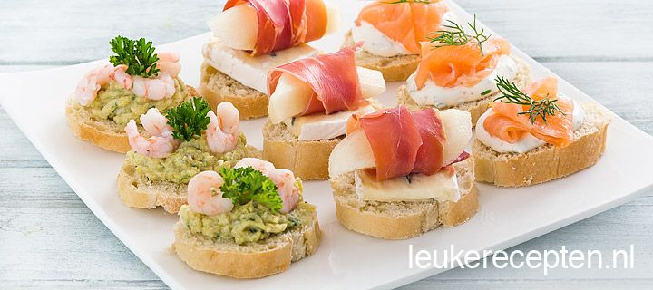Smoked Salmon and Cream Cheese, Pear and Parma Ham, and Artichoke Mousse Canapés ---- #appetizer #bread