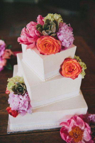 Muy originales y bonitas son estas tartas de boda.