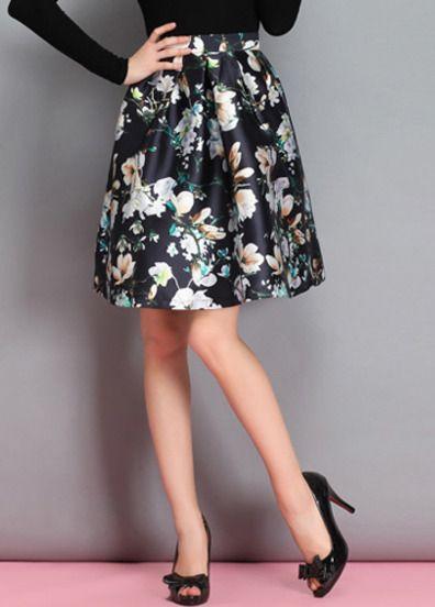 Shop Entdecken Sie Glockenrock mit Blüten, schwarz bei berlinmo-ein Fashion Online Shop. Jetzt Versand kostenlos!