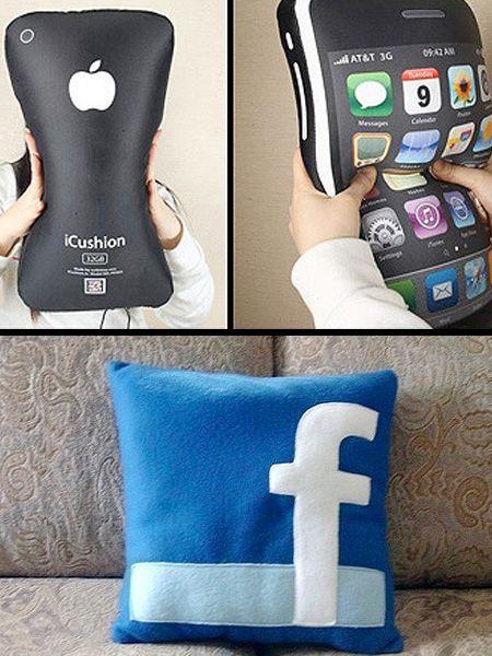 Te encantarán estos cojines decorativos con las redes sociales. Súper originales.