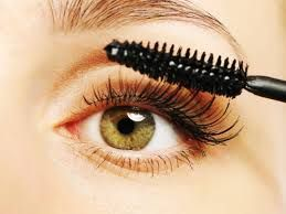 How to Apply Mascara For Beginners - Step by Step Instructions