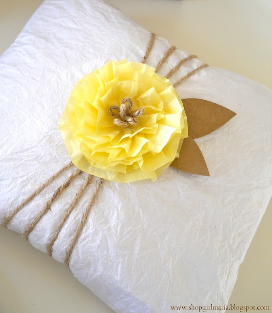 Wrapping Presents with Used Tissue Paper: Creative Gifts, Gifts Ideas, Tissue Paper Flowers, Giftsgift Wraps, Gifts Gifts Wraps, Great Ideas, Wraps Gifts, Recycled Gifts, Wraps Ideas