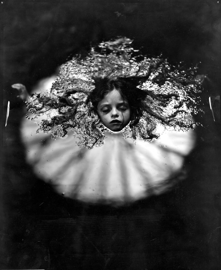 "SALLY MANN: ""Sally Mann's Immediate Family - The Unflinching and Unafraid Childhood"" (2006)"