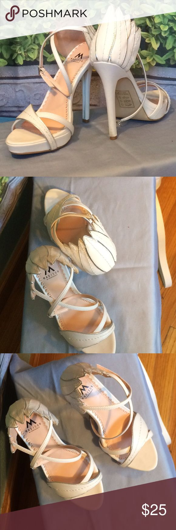 """Shoe Dazzle - White Swan heels Shoe Dazzle - Gorgeous and unique swan heels. True white with subtle silver lining. 5"""" height. Crisscross ankle straps. Open to reasonable offers. Shoe Dazzle Shoes Heels"""