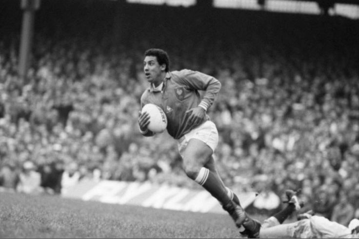 Serge Blanco lors du match Angleterre - France, le 21 février 1987, à Twickenham. La France l'emporte 19 à 15. © PHOTO ARCHIVES SUD OUEST