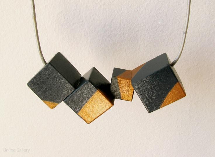 colier-cuburi-gri-auriu