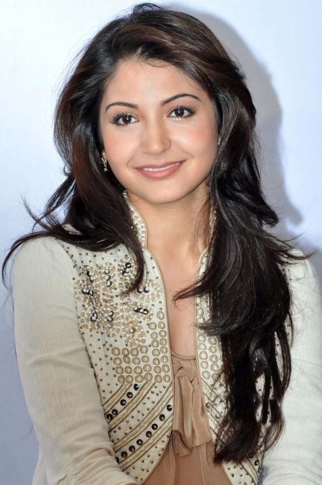 anushka sharma - LOVE her Hair!!!