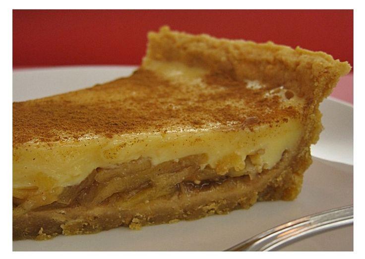 Tarte de Maçã com Leite Condensado - http://www.sobremesasdeportugal.pt/tarte-de-maca-com-leite-condensado/