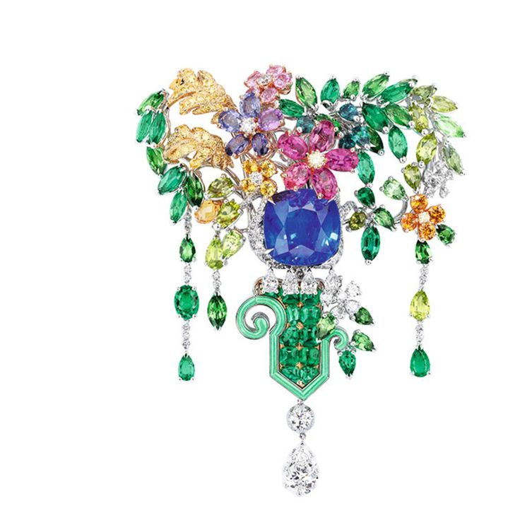 「ディオール」ヴェルサイユ宮殿の庭園が着想のハイジュエリー、瑞々しい草花をダイヤモンドやエメラルドで - 画像1