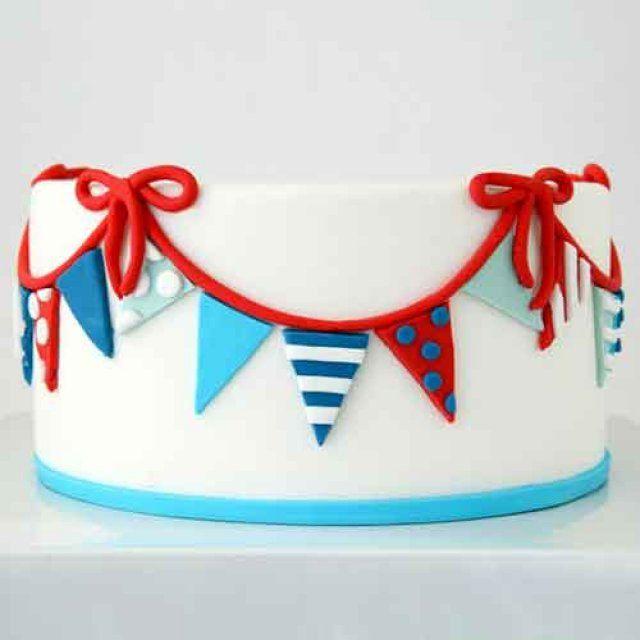 Gâteau décoré de fanions