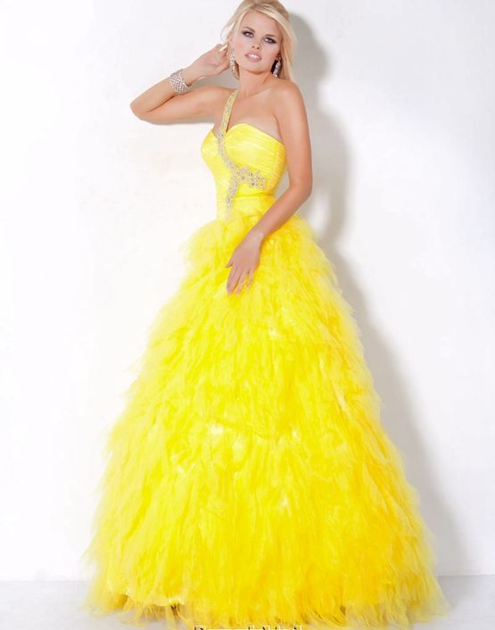 1000  ideas about Yellow Sparkly Dresses on Pinterest  Prom ...
