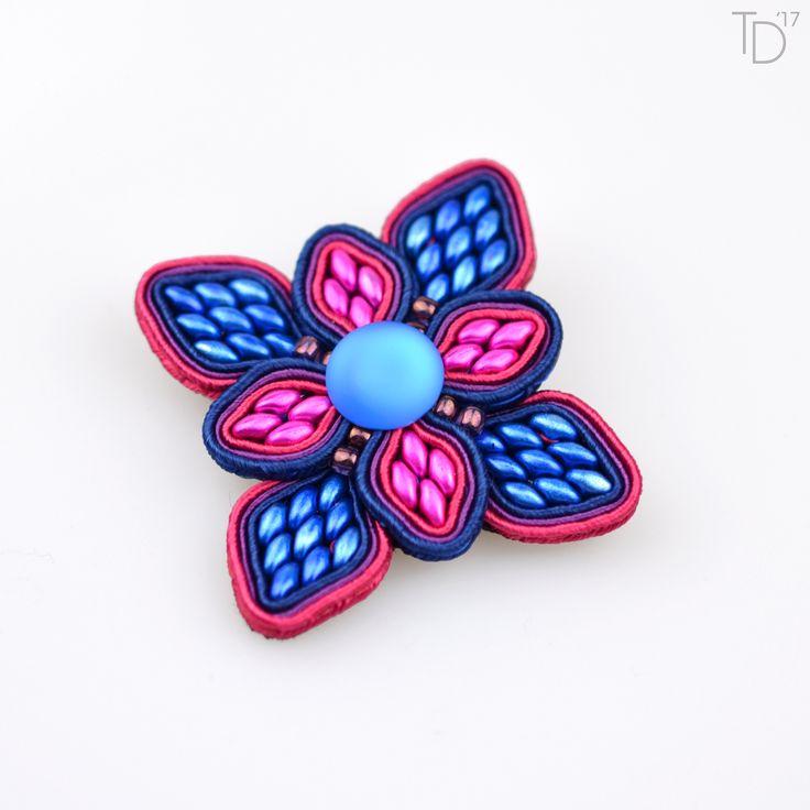 »Passion Flower« soutache brooch by Tereza Drábková