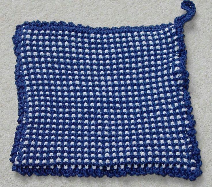 Mønster strikkes ved bare å strikke rett og ved å løfte av annenhver m på noen av omg.