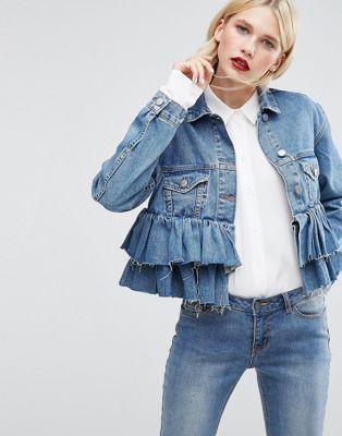 ASOS – Kurze Jeansjacke mit Rüschensaum in mittelblauer Waschung