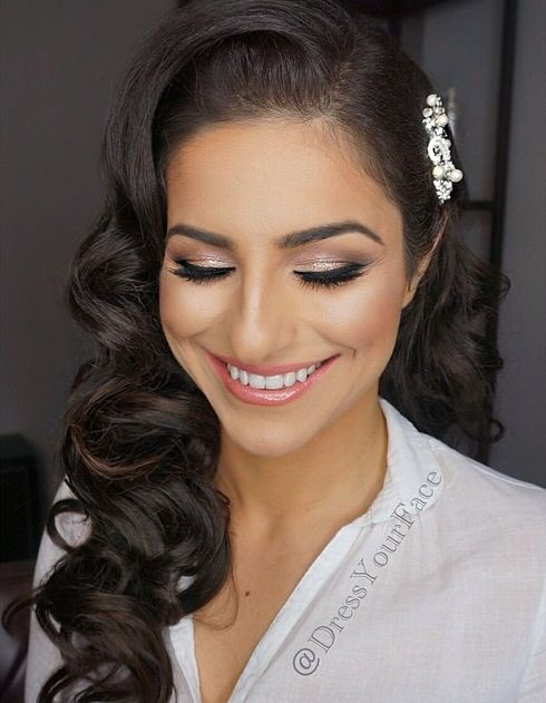 Love this sweet and simple look from world renowned makeup and hair artist Tamanna Roashan of Dress Your Face!