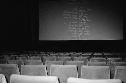 Cine: Salas De, Who