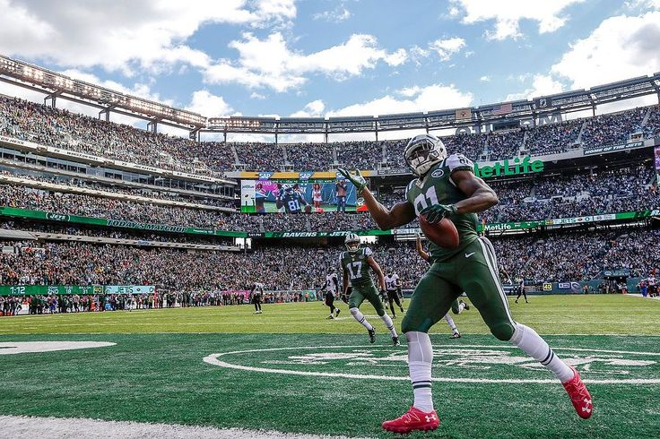 Jets vs. Ravens:   October 23, 2016  -  24-16, Jets   -     New York Jets wide receiver Quincy Enunwa (81) waves to the crowd as he cruises into the end zone after a 69-yard catch and run for a Jets touchdown in the first quarter against the Baltimore Ravens. 10/23/16 (Andrew Mills | NJ Advance Media for NJ.com)