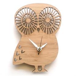 Wooden owl clock... too cute!