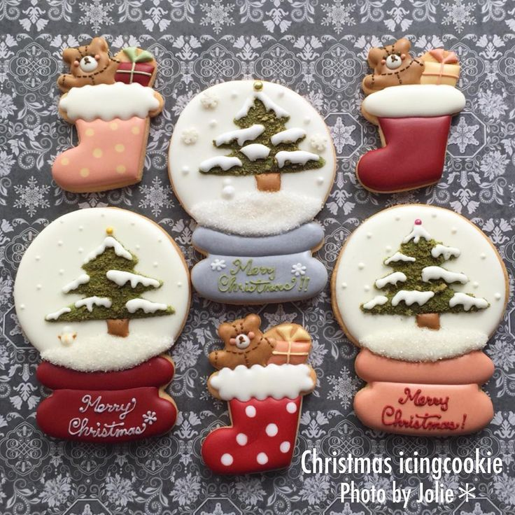 アイシングクッキー♡ クリスマス出張レッスン用に作りました♬ 昨年サロンレッスンにてご用意したスノードームがお気に入りなので出張レッスン用に♡ 12月が楽しみです(*´∨`*)ノ #ジョリー#jolie#アイシング#アイシングクッキー#アイシングクッキー教室 #アイシングクッキー西宮 #クリスマス#クリスマスイベント#クリスマスアイシングクッキー #christmas #icing#icingcookies #西宮習い事 #西宮市サロン #西宮アイシングクッキー