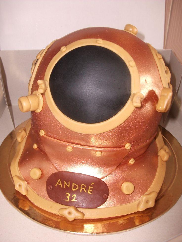 Bolo capacete de mergulhador