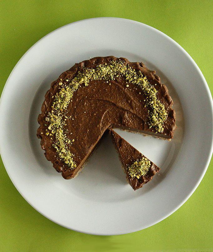 Chocolate cake raw and vegan