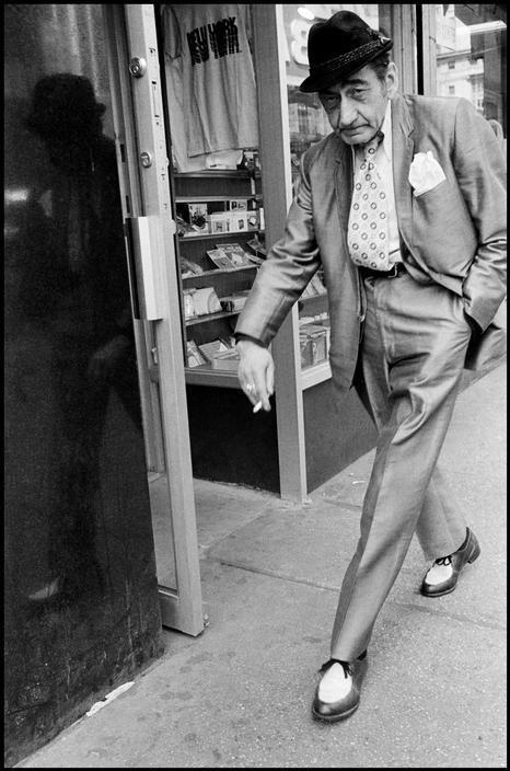 Bruce Gilden. New York City. 1986.: Bruce Gilden, Streetphotography, Magnum Photos, White, Photographer, New York, Street Photography