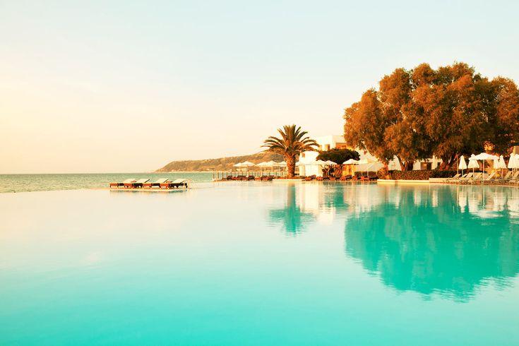 Sunprime Miramare Beach, Rhodos, Grekland. På Sunprime Miramare Beach bor du i sviter eller bungalower. Alla har luftkonditionering och balkong eller terrass, många av dem med utsikt över havet. Kring den stora poolen finns det gott om plats och tillräckligt med solstolar och parasoller för alla. http://www.ving.se/grekland/rhodos-vastkust/sunprime-miramare-beach/?utm_source=pinterest&utm_medium=social-media&utm_campaign=sunprime_map